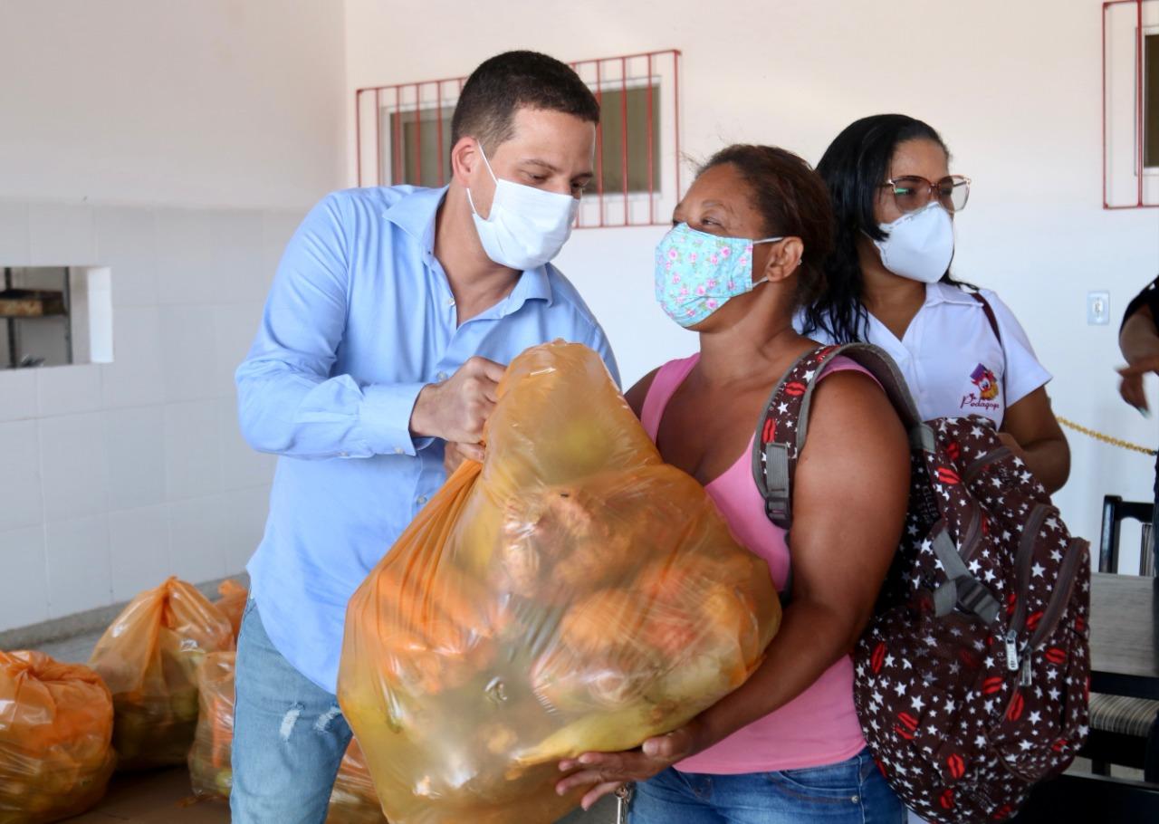 Famílias assistidas pelo CRAS da Itinga recebem cesta de hortifrúti do Programa de Aquisição de Alimentos