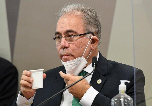 Queiroga anuncia que Ministério da Saúde vai suspender contrato da Covaxin