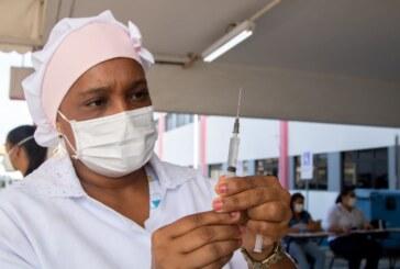Moradores de Lauro de Freitas com 37 anos podem se vacinar contra a Covid-19 nesta segunda-feira (02)