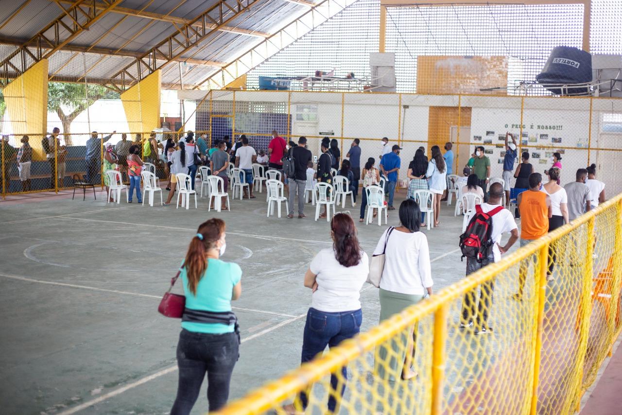 Lauro de Freitas imuniza pessoas em situação de rua nesta terça-feira (6)