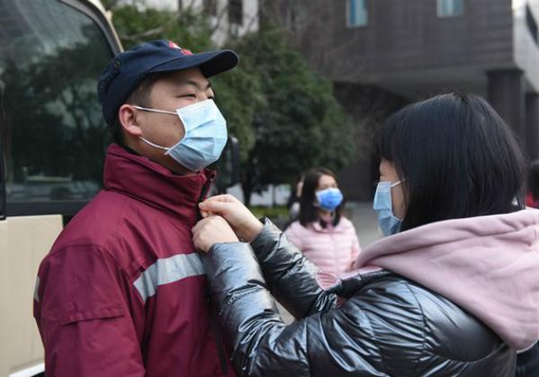China não registra casos de transmissão local da Covid pela 1° vez desde julho