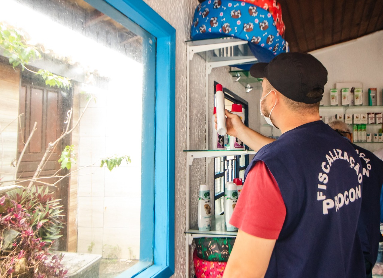 Operação 'Bons Tratos' autua clínicas e hospitais veterinários de Lauro de Freitas