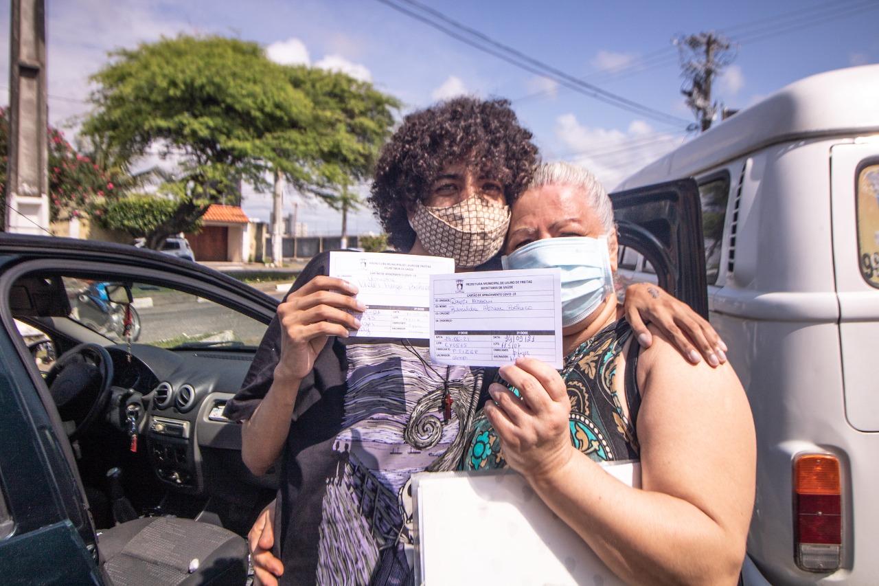 Lauro de Freitas vacina contra a Covid-19 adolescentes com comorbidades e jovens de 17 anos sem comorbidade nesta quarta-feira (15)