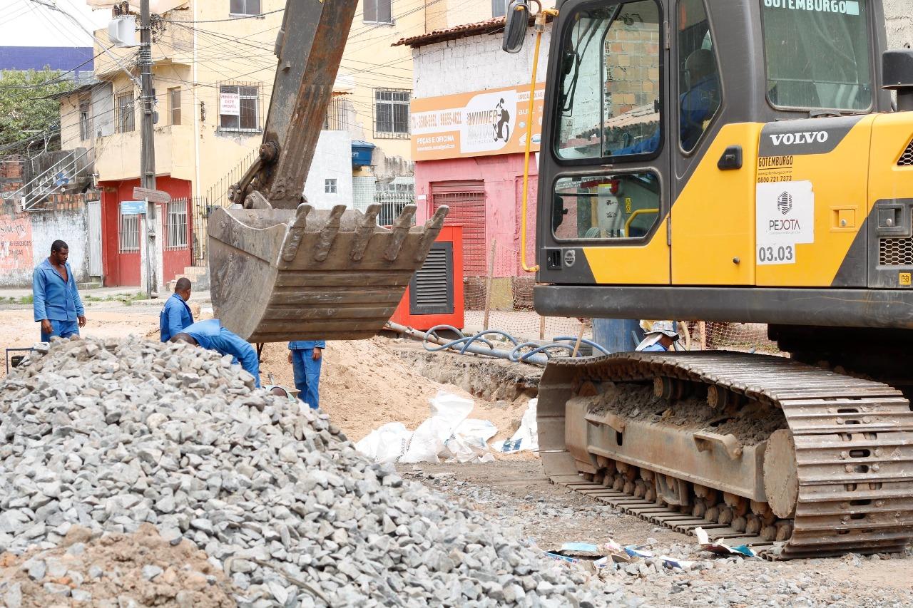 Obras da macrodrenagem da Avenida Mário Epinghaus já estão 70% executadas