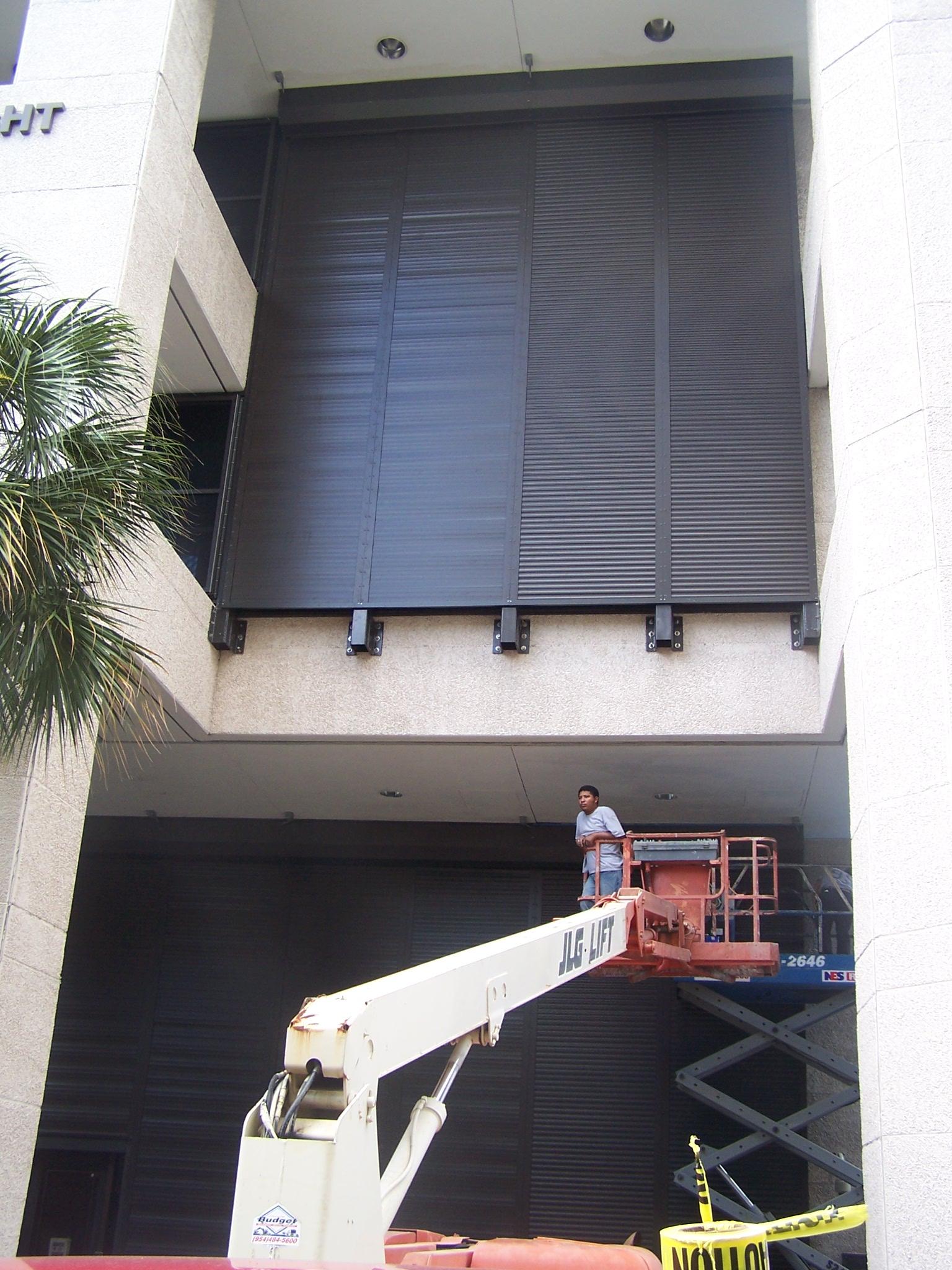 Roll Down Hurricane Shutters Lg Florida Contractors