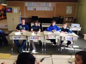 Les joueurs de l'école Boisvert en ouverture du championnat provincial junior 2015.