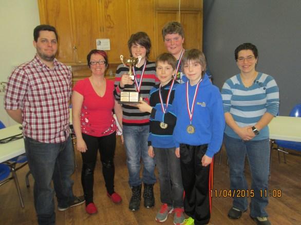 L'équipe de l'école Boisvert, championne junior en 2014-2015. Tommy D'Aigle, Isabelle Beaulieu, Olivier Paradis, Émile Tremblay, Simon Laliberté, Marc-Antoine Bourassa, Geneviève Thibeault.
