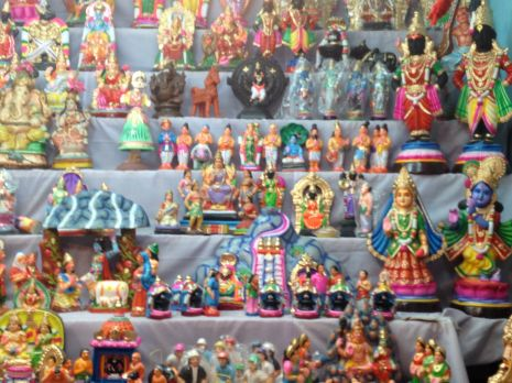 Golu dolls for sale....and before you ask, yes, I bought some more dolls :)