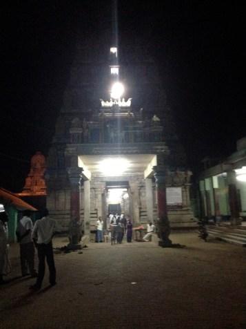 Hima Kundha M'runaalaabam - Dhaithyaanam Paramam Gurum Sarva Saasthra Pravruththaaram - Bhaargavam Pranamaam Yaham