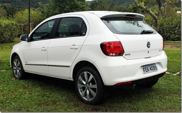 Volkswagen_voyage_gol_2013 (7)[2]