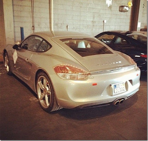 2013-porsche-cayman-spotted-undisguised-at-atlanta-airport-ahead-of-la-reveal-medium3