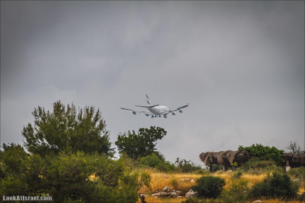 LookAtIsrael.com - Фото путешествия по Израилю   Самолет El Al Up преодолевает грозовой фронт