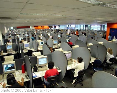 'call center' photo (c) 2006, Vitor Lima - license: http://creativecommons.org/licenses/by/2.0/