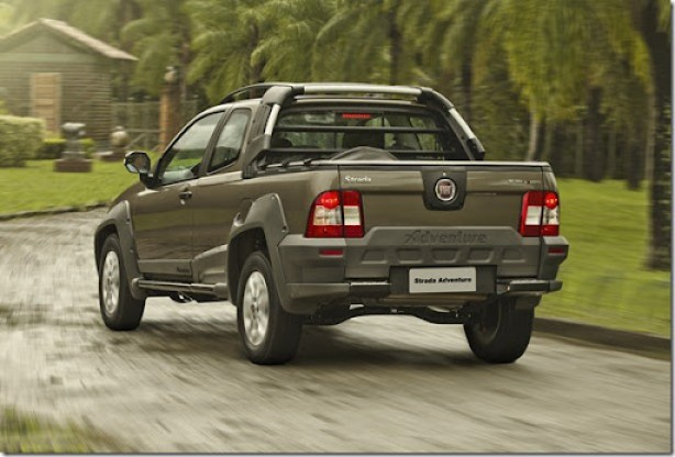 Fiat_strada_adventure_006_Locker_CD
