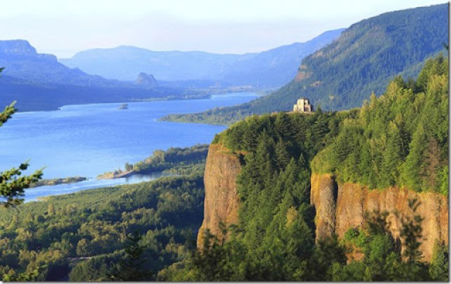 crown-point-columbia-river-gorge-oregon-gino-rigucci