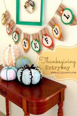 Thanksgiving Entryway - Banner Tutorial by The Silly Pearl on Mom Endeavors