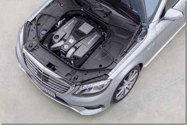 2014-Mercedes-Benz-S63-AMG-21[2]