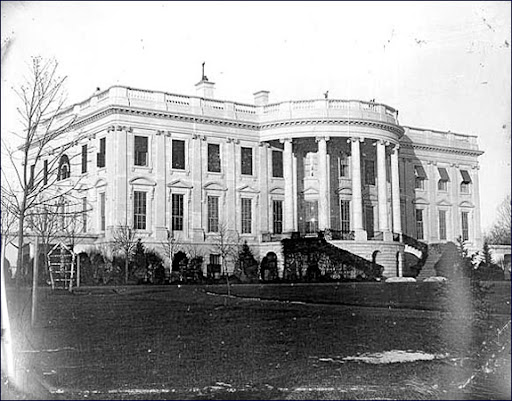 white house south front 1846.jpg