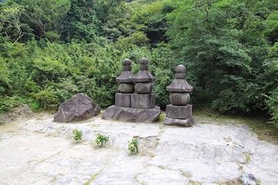 聖地巡礼記事:ChuSinGura46+1 忠臣蔵46+1 小田原城と曽我兄弟の墓