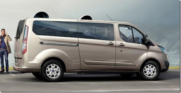 02-ford-tourneo-custom