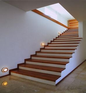 Diseño-de-escaleras-Casa-cubo-Agraz-Arquitectos