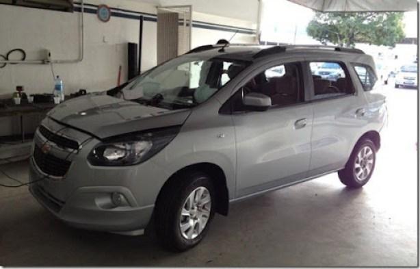 Chevrolet Spin 2013 (3)[5]