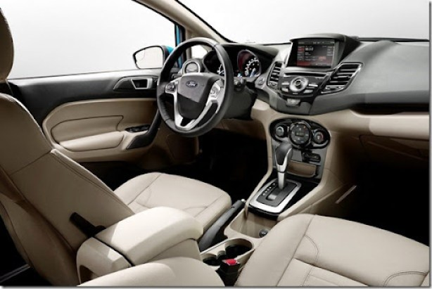 2014-Ford-Fiesta-48[2]