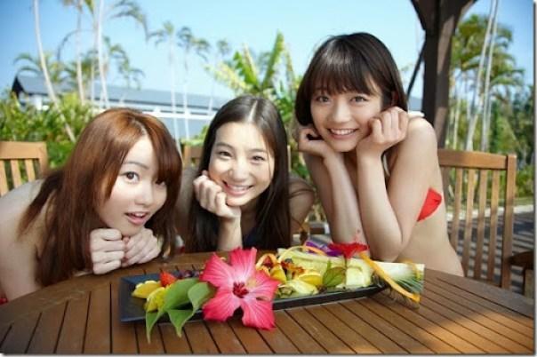 Suzuka_Morita_-_Rika_Adachi_-_Misaki_Momose_43