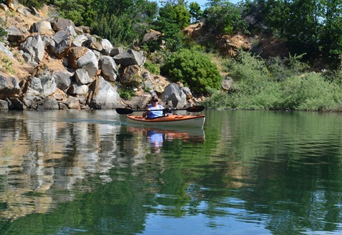 paddling into a small back bay on Emigrant Lake