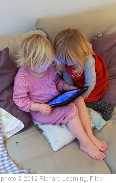 'iPad + Peppa Pig = quiet toddlers' photo (c) 2012, Richard Leeming - license: http://creativecommons.org/licenses/by/2.0/