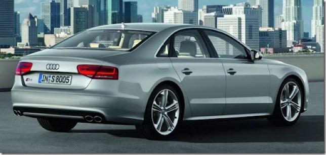 2013-Audi-S8-3