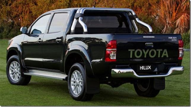 2012-Toyota-Hilux-2