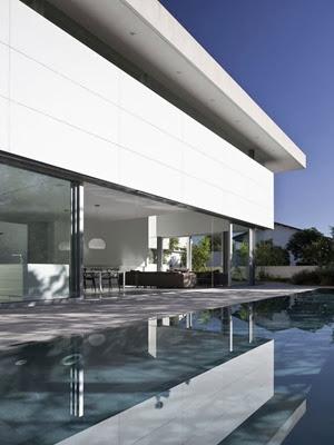 Casa-minimalista-Afeka-House