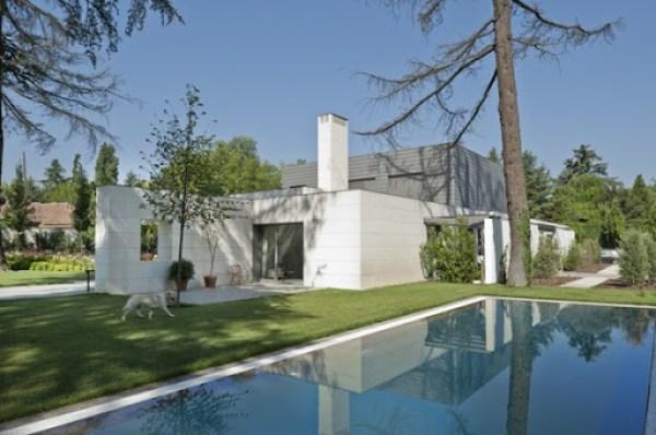 Moderna Casa con piscina en Madrid
