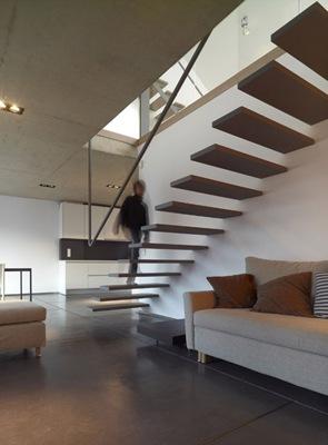 diseño-escaleras-con-peldaños-en-voladizo