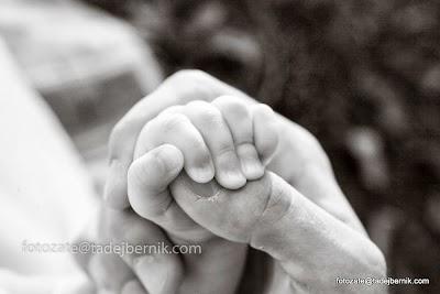 fotozate@tadejbernik-fotografiranje-nosecnic-dojenckov-malckov-druzin-mama-oce-dojencek-fotozate-druzinsko-fotografiranje-pregnancy-maternity-baby-photography-mom-dad-family (16).JPG