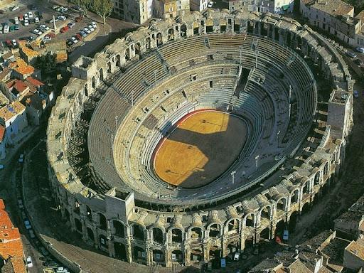 Arles-anfiteatro-1