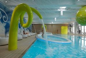 Diseño de piscinas centro medicina alternativa