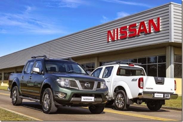 Nissan Frontier ganha nova versão com câmbio automático e mais itens de tecnologia na linha 2015