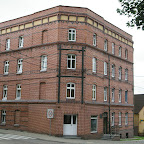 One of recently restored brick buildings on the corner of Bożogrobców and Bytkowska.