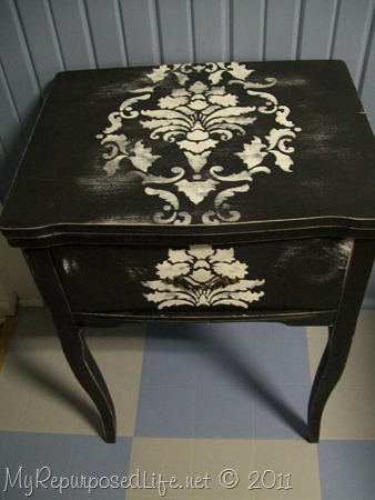 Repurposed sewing cabinet-laptop desk (10)