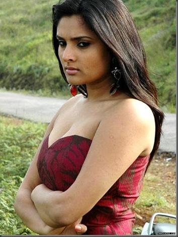 திவ்யா ஸ்பந்தனா குத்து ரம்யா