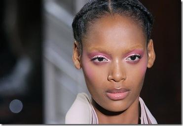 valentino-paris-fashion-haute-couture-pale-delicate-complexion-beauty-590bes012711