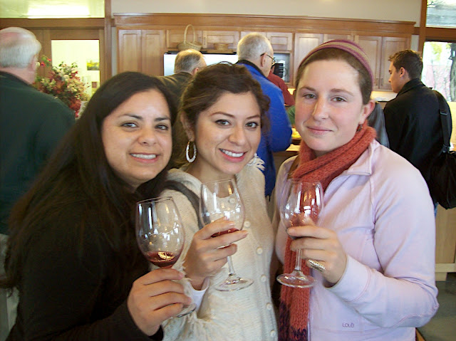 wine tasting girls