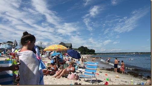 loris and the beach_20090719_008