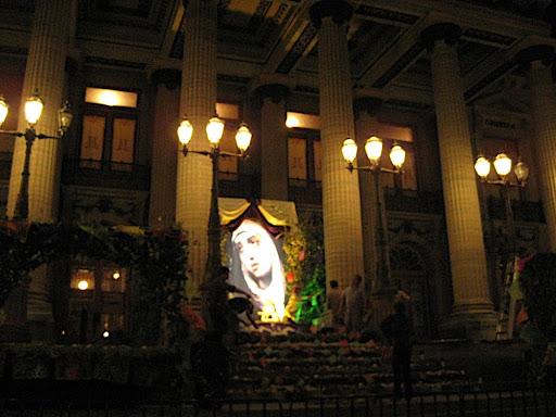 Altar de Dolores en el Teatro Juarez