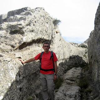 Entrada al Castellar de Meca por el Camino Hondo