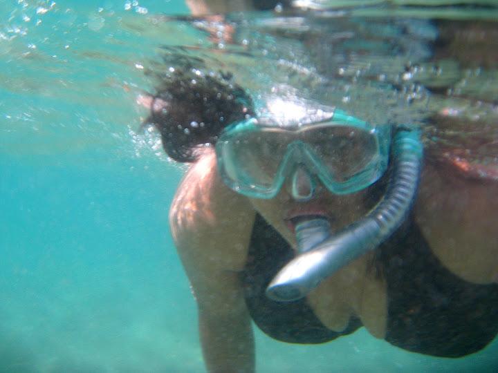 Snorkeling and playing around Ulua Beach!