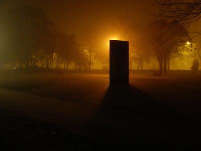 Budapest,  Nehru park, Roma Holokauszt emlékmű, szobor,  Budapest,  blog, rongálás, porrajmos