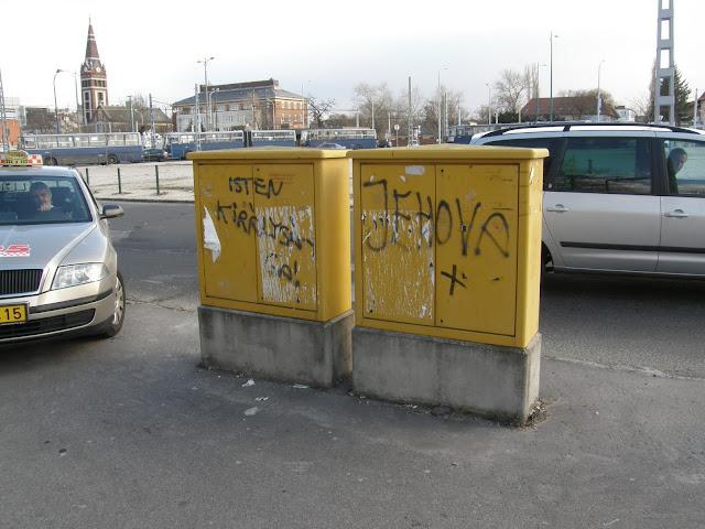 Budapest,  Népstadion, tag,  teg,  falfirka,  XIV. kerület, Zugló,    street-art, Isten királysága. Jehova, gerilla art